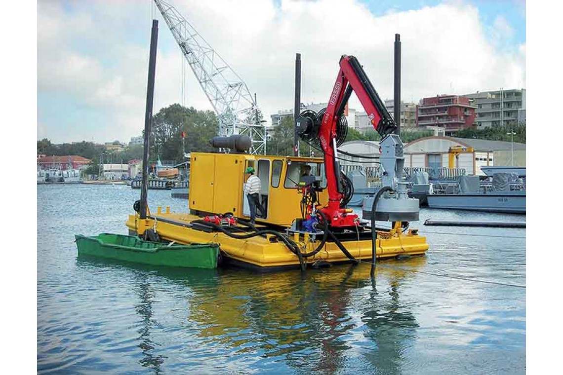 Telescopic Boom Dredge